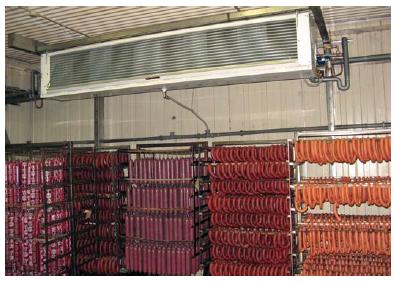 На «Нижневартовский колбасный завод» для камер хранения колбас были поставлены холодильные установки производительностью 335 кВт (-7°С) и 360 кВт (-2°С). Обе холодильные установки оборудованы системой рекуперации тепла для получения горячей воды для технологических нужд.